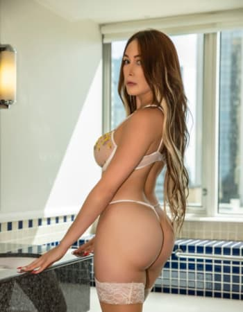 escort babe Mia Franco, Glebe, Hot latin model