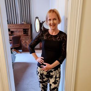 petite mature escort Linda Jones in Melbourne