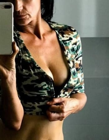 Gold Coast escorts, April, private escort