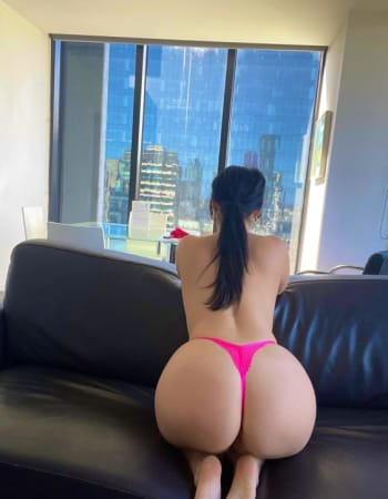 Holly Evans on Realbabes, escorts in Melbourne (VIC)