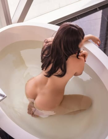 Hobart escorts, Pia Gray, private escort