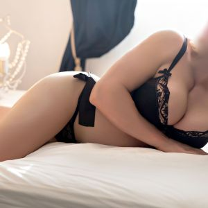 real babes escorts photo Lily Levine