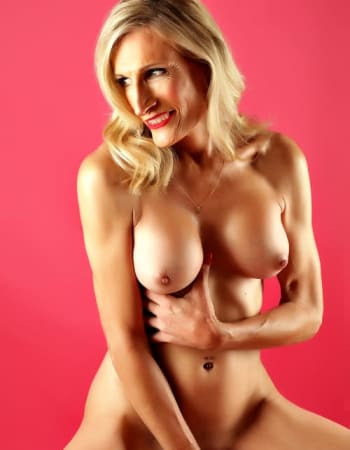 Miss  Rose on Realbabes, escorts in Mona Vale (NSW)