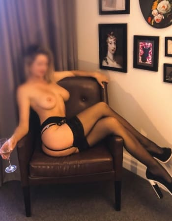 Sydney escorts, Rose Gold, private escort