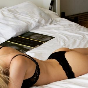 Melbourne escort Little Lacey
