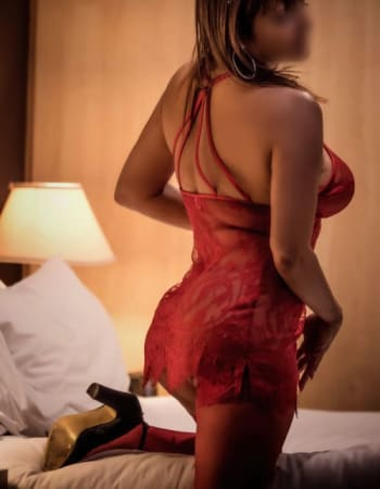 Adelaide escorts, Bella Honey, private escort